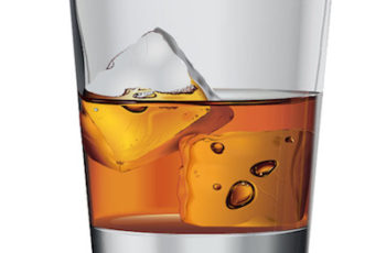 ALCOOL E ALIMENTAÇÃO FORTE